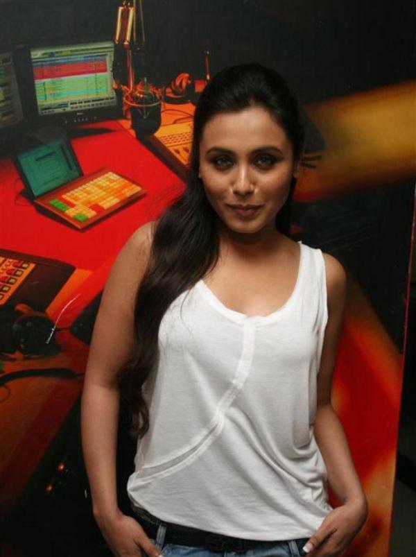 Rani Mukherjee Sleeveless Dress Sweet Still