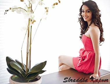 Shraddha Kapoor Nice Beautiful Look Wallpaper