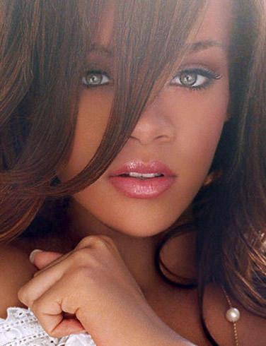 Robyn Rihanna Fenty Attractive Look Nice Pics