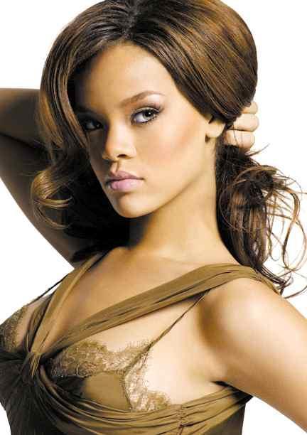 Robyn Rihanna Fenty Bold Pics