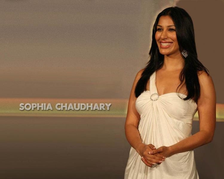 Sophia Chaudhary Gorgeous Smile Pic