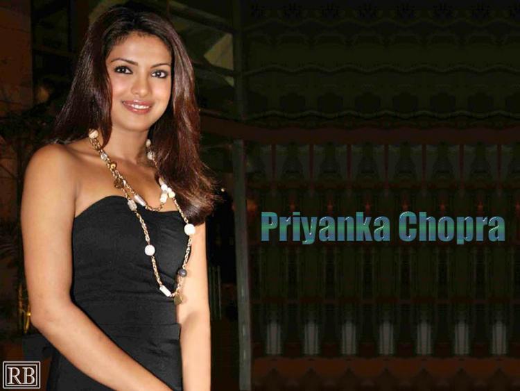 Priyanka Chopra Awesome Face Look Wallpaper