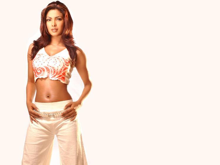 Priyanka Chopra Glamour Navel Exposing Wallpaper