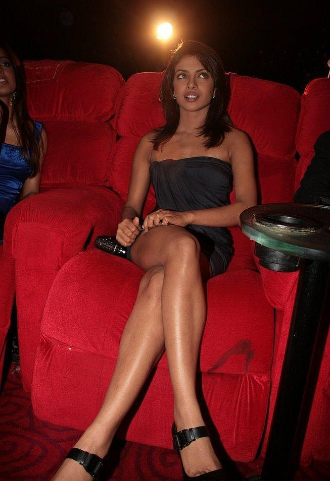 Priyanka Chopra Glossy Legs Exposing Still