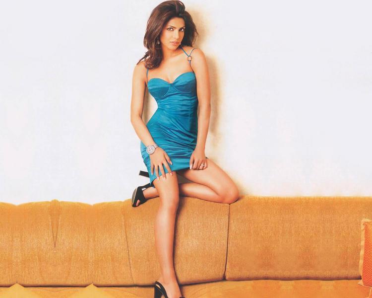 Priyanka Chopra Hot and Sexy Look Photo Shoot