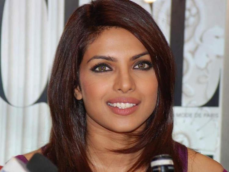 Priyanka Chopra Sexy Eyes Look Pic
