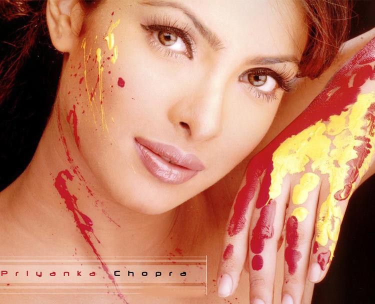 Priyanka Chopra Sexy Eyes Look Still