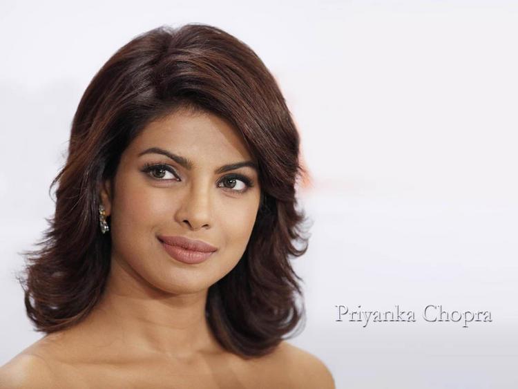 Priyanka Chopra Short Hair Nice Look Wallpaper