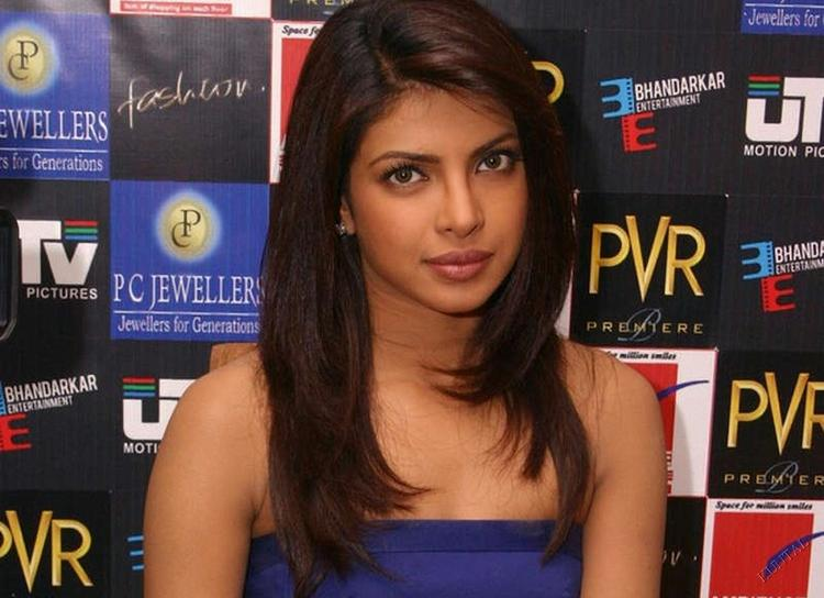 Priyanka Chopra Strapless Dress Nice Look Still