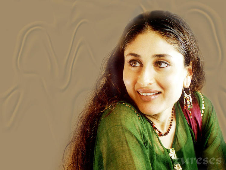 Charming Actress Kareena Kapoor Sweet Still