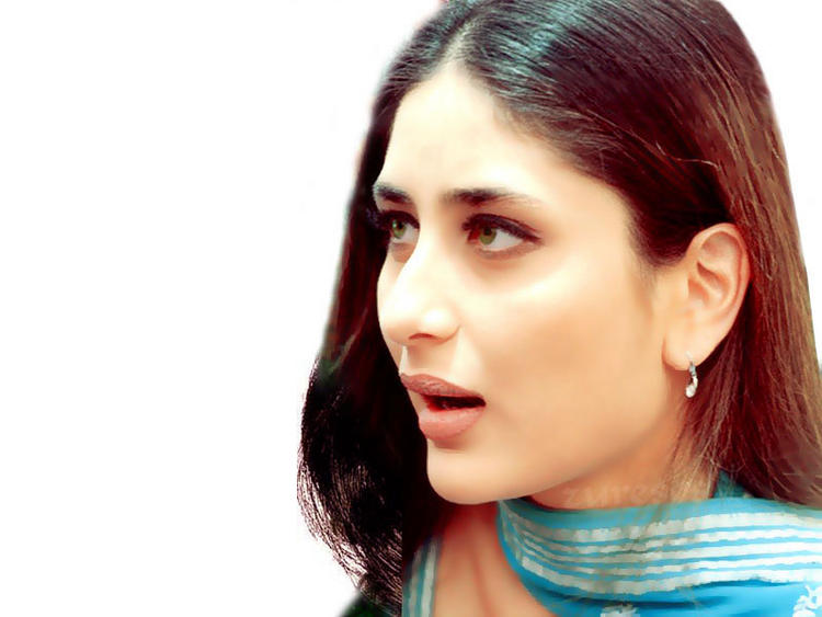 Kareena Kapoor Cute Shiny Face Look Wallpaper