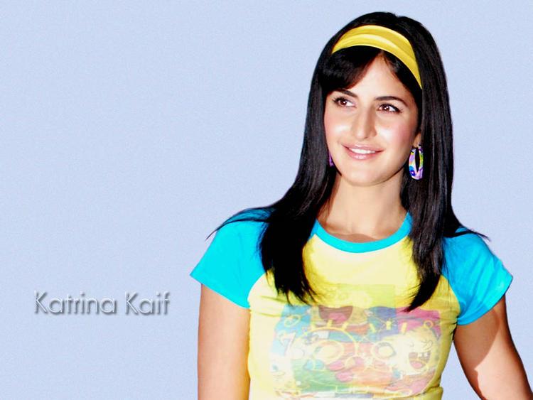 Katrina Kaif Cute Makeup Wallpaper