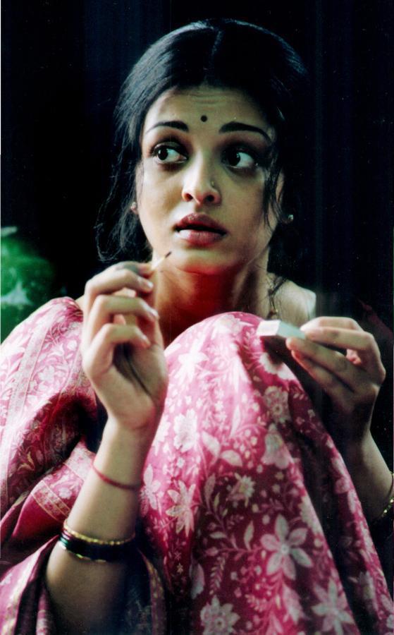 Aishwarya Rai Nice And Cool Pics
