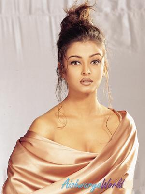 Aishwarya Rai Sexy And Amazing Wallpaper