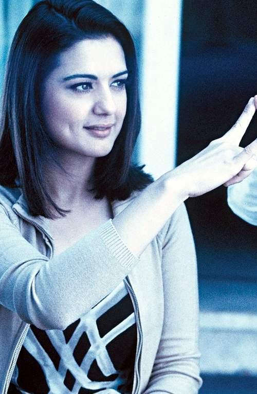 Beautiful Actress Preity Zinta Images