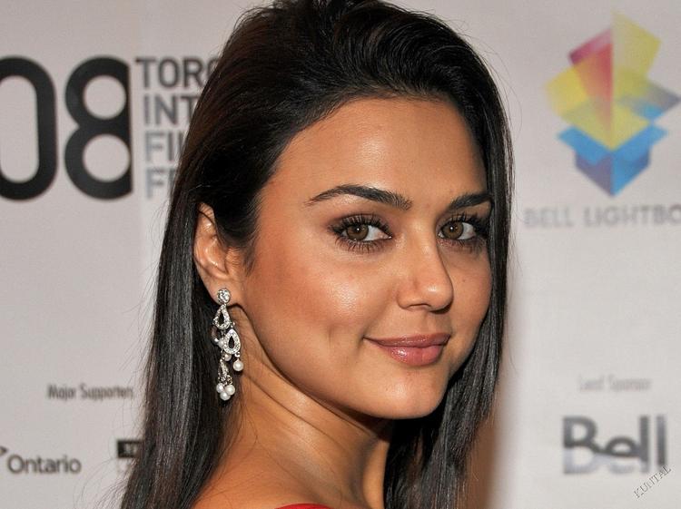 Dimple Babe Preity Zinta Pic