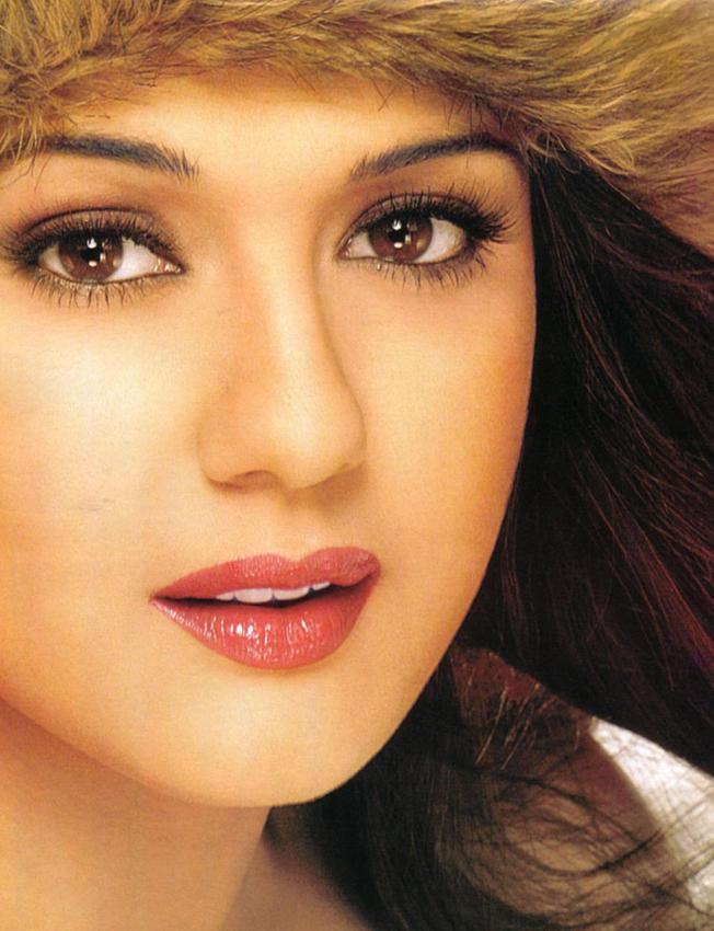 Preity Zinta Pink Wet Lips Still