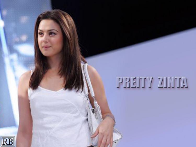 Preity Zinta Sizzling Wallpaper
