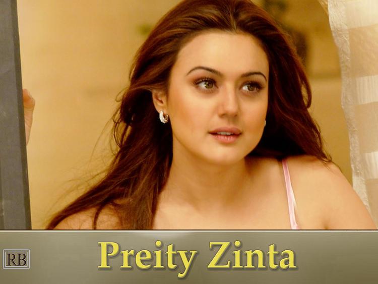 Sexy Actress Preity Zinta Wallpaper