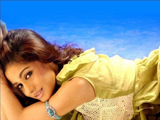 Sizzling Babe Amrita Rao Pic