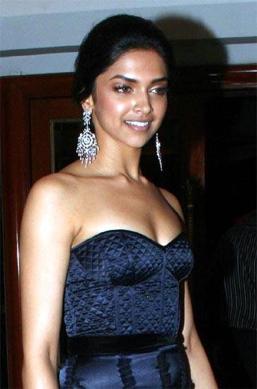 Deepika Padukone Strapless Dress Glamour Still