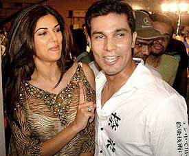 Sushmita Sen And Randeep Hooda Photo