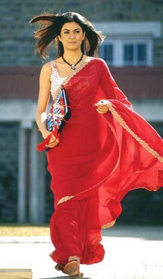 Sushmita Sen In Red Saree In Main Hoon Na