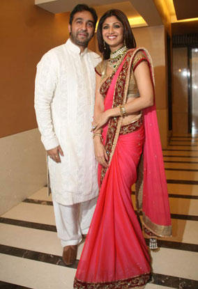 Raj Kundra With Shilpa Shetty Engagement Glamour Pics
