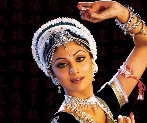 Shilpa Shetty In Odissi Dance Costume Beautiful Pics