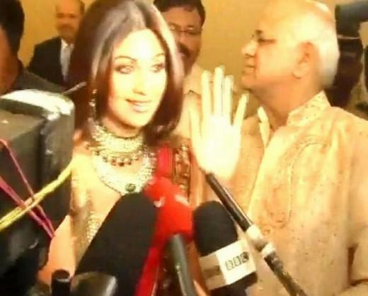 Shilpa Shetty Press Meet In Her Engagement