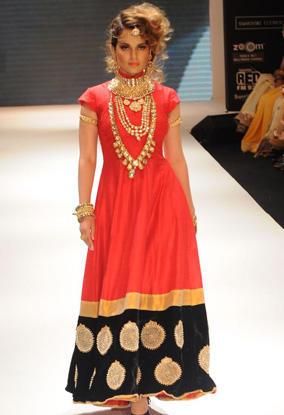 Kangana Ranaut Cute Dress Still On Ramp