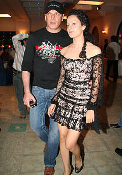 Kangana Ranaut Sexy Dress Gorgeous Pic With Aditya