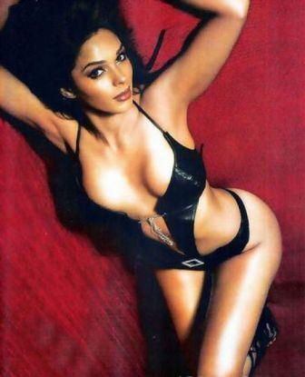Mallika Sherawat Expose Her Sexy Body Hottie Wallpaper