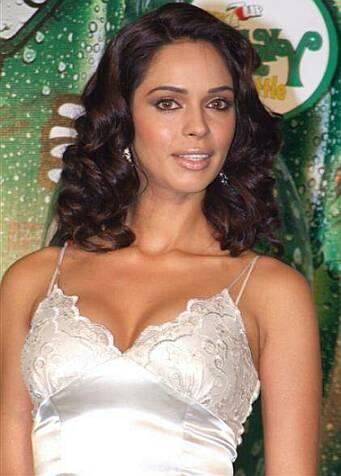 Mallika Sherawat Nice And Cool Pics