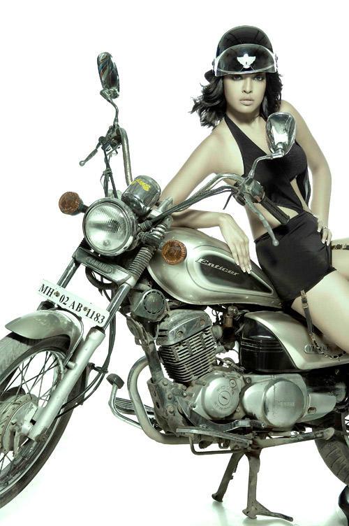 Tanushree Dutta Hot Look With A Bike Wallpaper