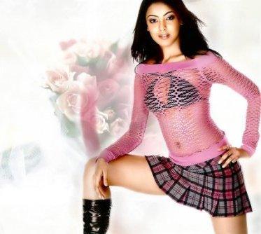Tanushree Dutta Mini Dress And Busty Thighs Show Wallpaper