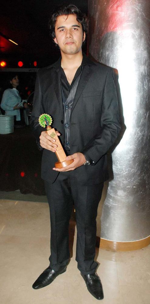 Avinash Mukherjee During 1000th Episode Of Balika Vadhu