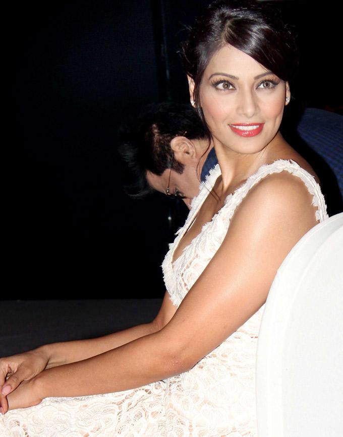 Bipasha Basu Gorgeous Pic at IIFA 2012 Press Conference