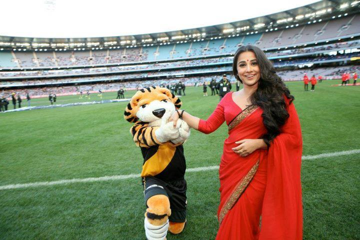 Vidya Balan Dazzles at Melbourne Cricket Ground