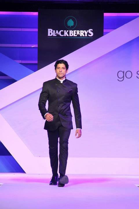 Farhan Akhtar Walks The Ramp at Blackberrys Sharp