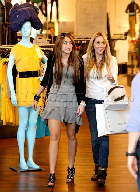 Miley Cyrus Shopping Still