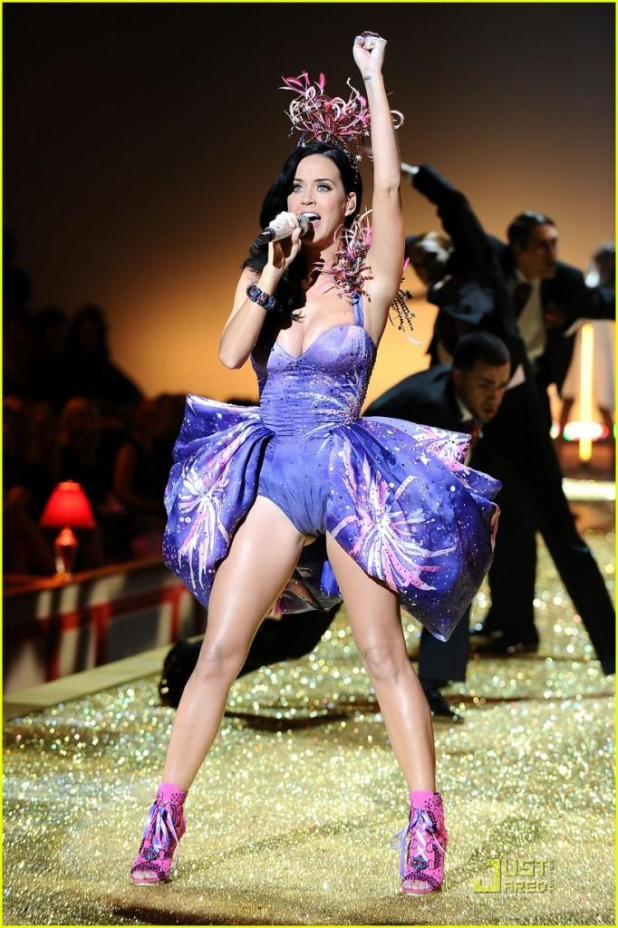 Katy Perry Sexy Dress Performance Still