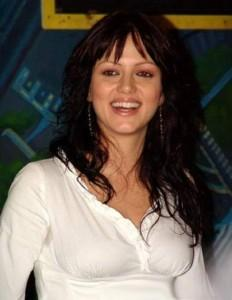 Yana Gupta Open Smile Beauty Still