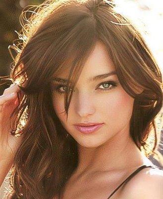 Miranda Kerr Attractive Look Photo
