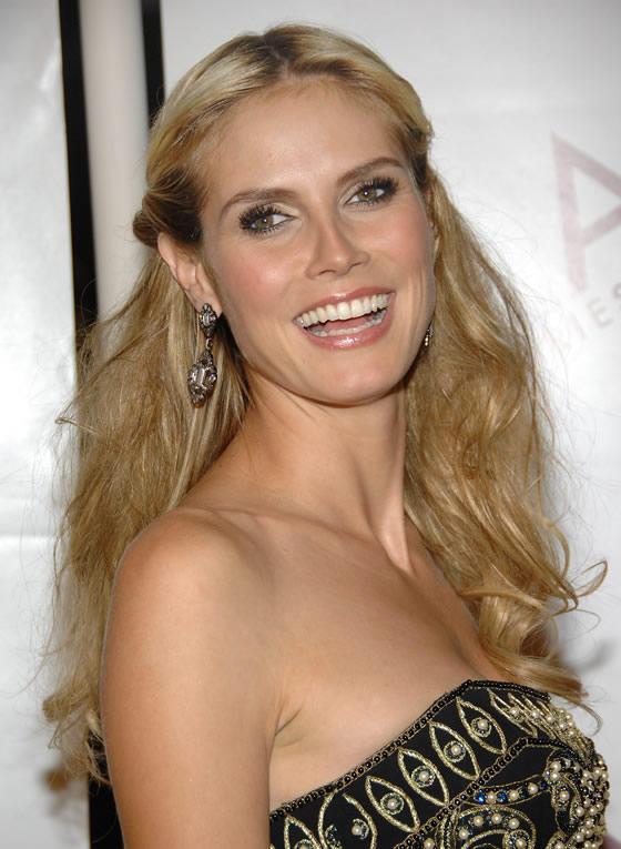 Heidi Klum Natural Smiling Pics