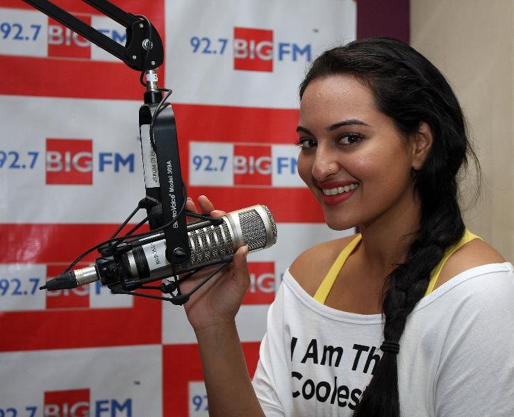 Sonakshi Sinha Promotes Her Film Rowdy Rathore at a Radio Station