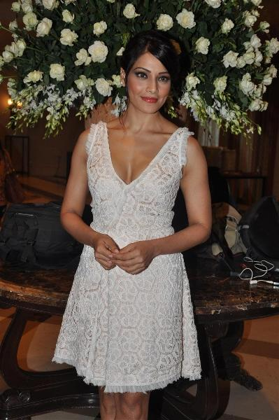 Bipasha Basu Spotted at IIFA 2012 Press Meet For Performance