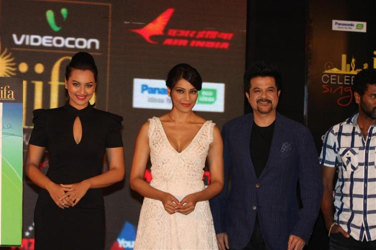 Bipasha,Anil Kapoor,Sonakshi and Prabhu Deva at IIFA Press Meet