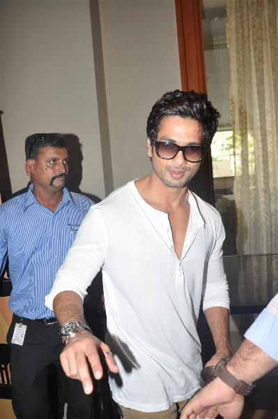 Shahid Kapoor Spotted at The Press Meet Of IIFA