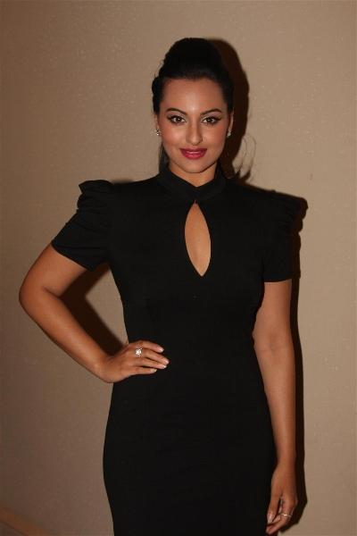Sonakshi Sinha Attended The IIFA 2012 Press Conference